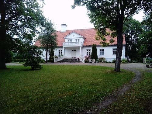 Saare Manor