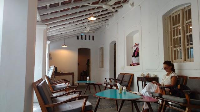 Artika Cafe Gallery