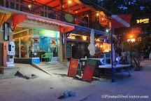 Piratas Alona Dive Center, Tawala, Philippines