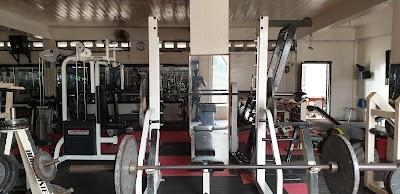 Roger and Cooper's Fitness Center - https://lh3.googleusercontent.com/p/AF1QipM60J0UHqu_bzF3mIuP_VXJcJAD8a9OjDGRyBU7=s1600-w400