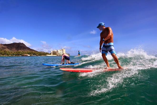 Gift Surf School, Honolulu, United States