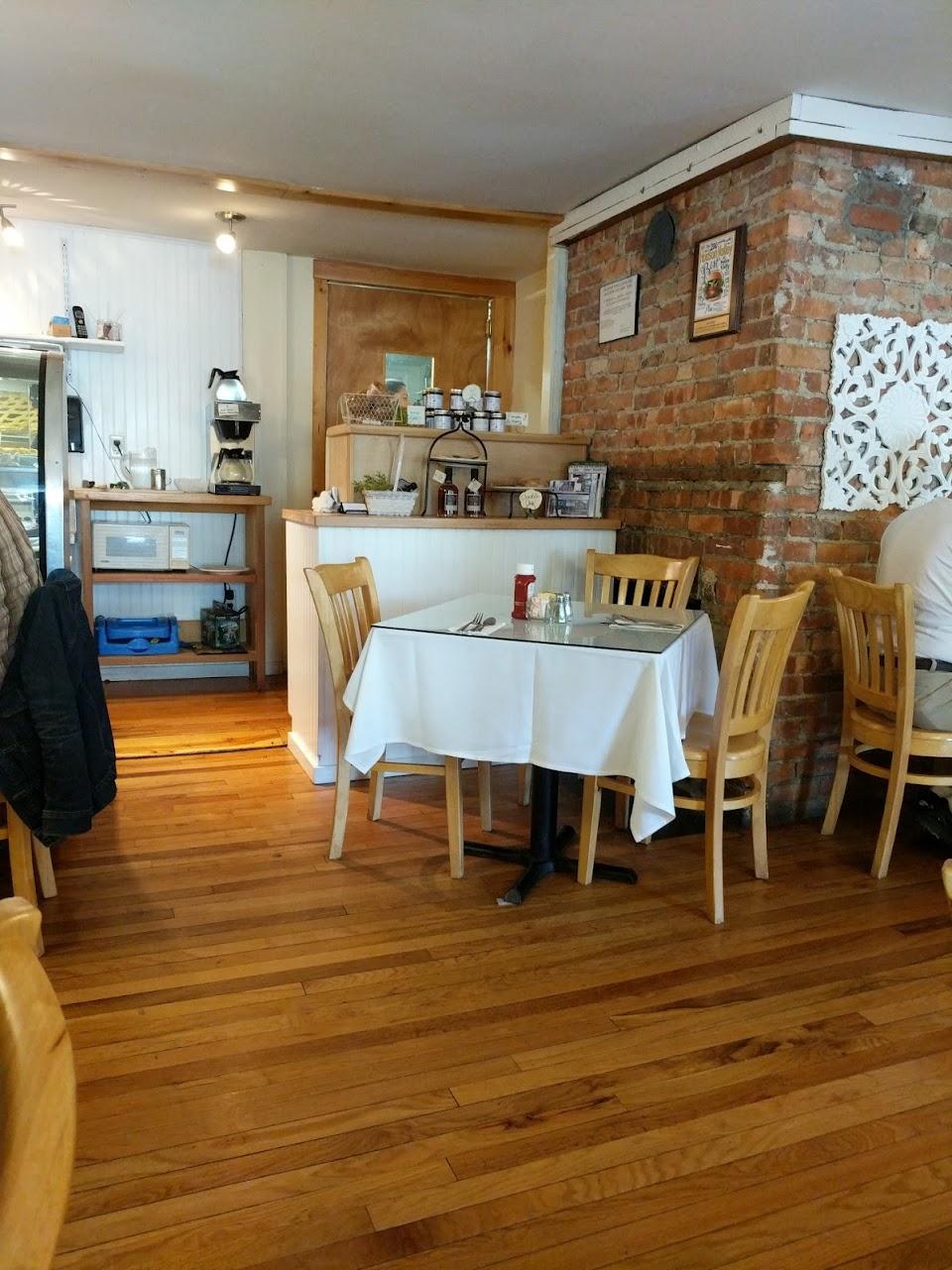 Hudson Hil's Café