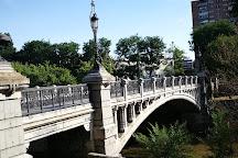 Puente de la Reina Victoria, Madrid, Spain