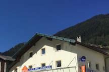 Skischule Neustift Olympia, Neustift im Stubaital, Austria