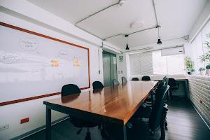 CO-Labora Coworking   Salas de Conferencia, Reuniones, Salas de Capacitación 5