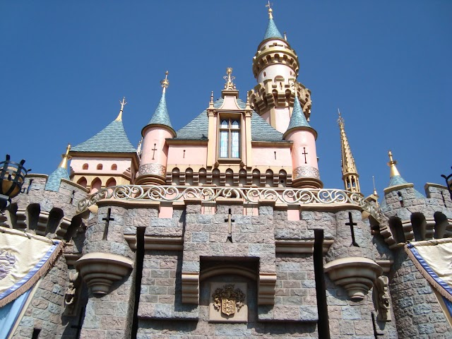 sleeping beauty castle anaheim california