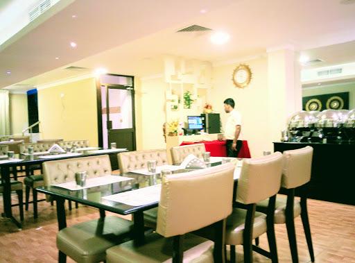 Sri Suryas Hotel