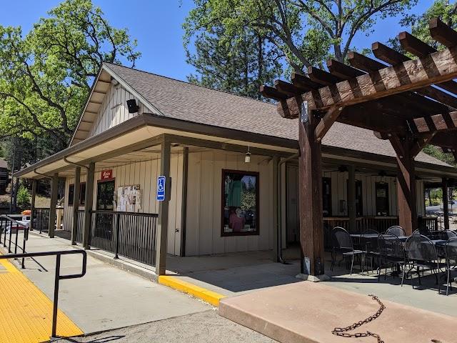 Pine Mountain Lake Lakeside Cafe At The Marina