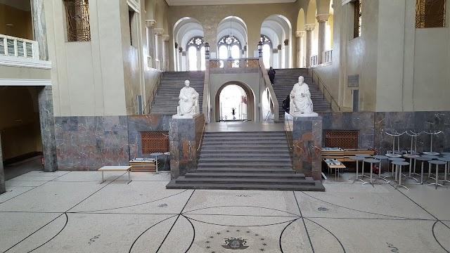 Zentralbibl. d. Universität München