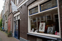 Eduard Planting Gallery | Fine Art Photographs, Amsterdam, The Netherlands