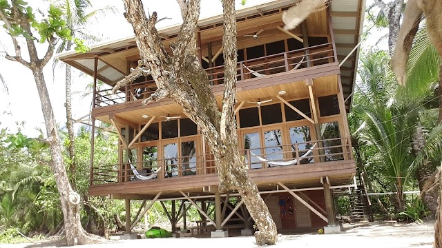 Casa Cayuco Eco Adventure Lodge