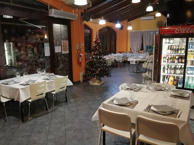 Bar Pizzeria Tiratardi