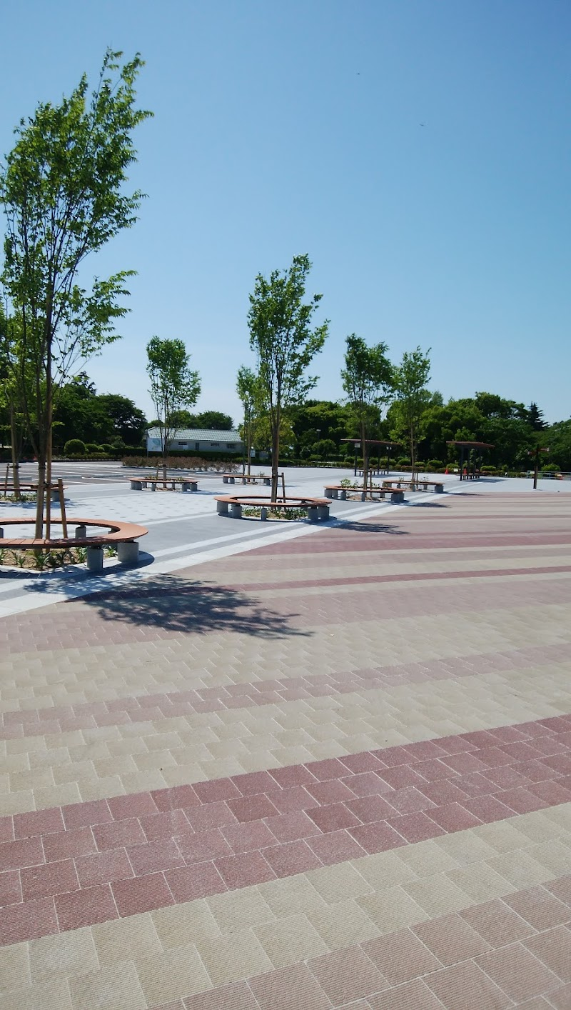 豊公園駐車場
