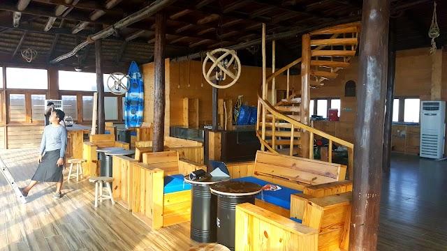 Kite Beach Center Restaurant & Cafe