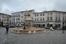 Fountain Giraldo Square, Evora, Portugal