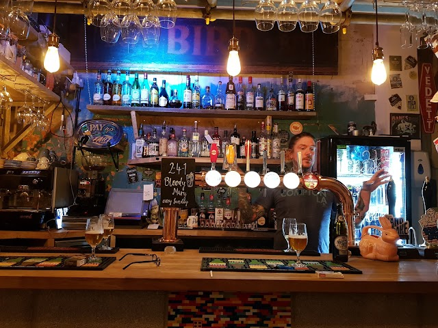 Doghouse Bar