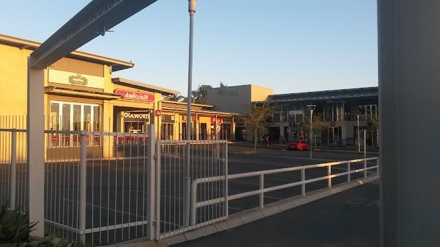 FNB Bank ATM Grayston Shopping Centre