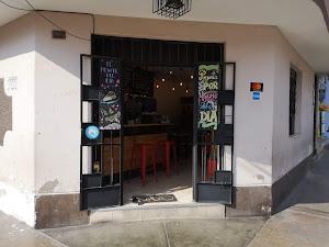 Red Head Coffe Shop 3