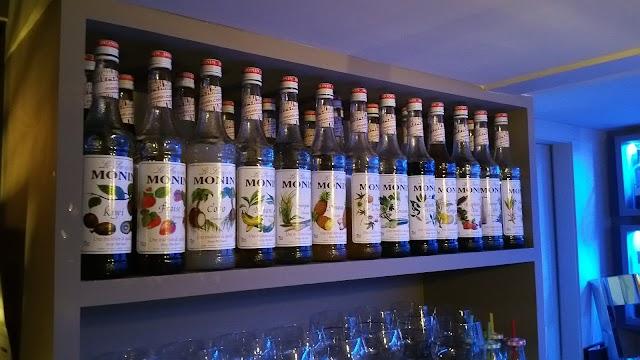 Clandestino Cocktail Pub