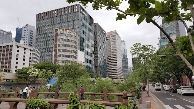 Seven Street Seoul