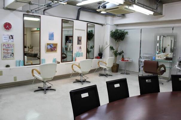 横浜、上大岡の美容室、美容院 髪風船 上大岡店