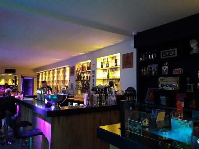 Kanaal cafe