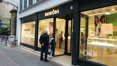 Pandora, Moselle, Grand Est(+33 3 87 62 22 88)