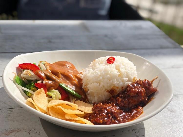 "Restaurant Festijn Culinair ""All you can eat"",Aziatisch en Mediterranean dishes Almere"