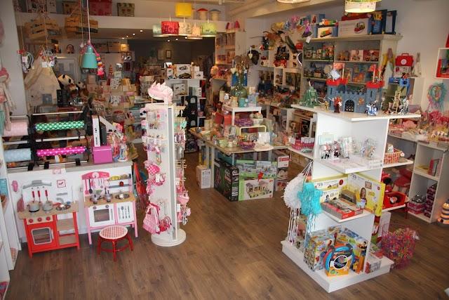 Caatje Hoeraatje - Speelgoedwinkel