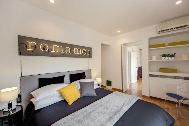 Spanish Steps Design Apartment