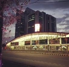 فیض آباد میں میٹرو بس اسٹیشن