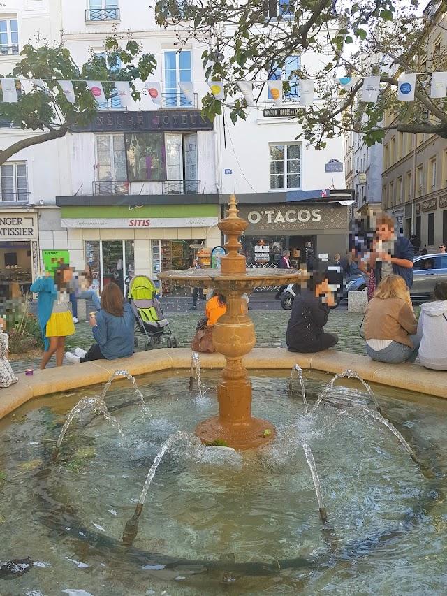 Fontaine Place De La Contrescarpe