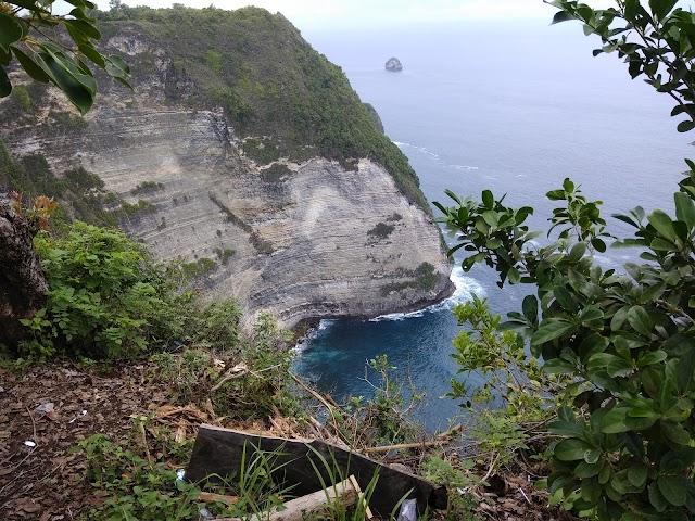 T-Rex Bay Nusa Penida