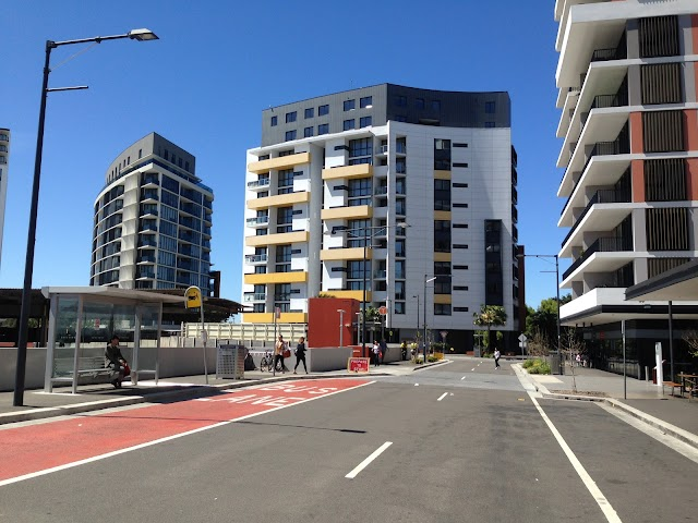 Wolli Creek Station, Discovery Point Pl