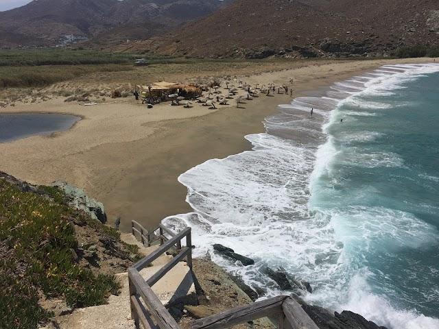 Κολυμπήθρα Surf Lesons