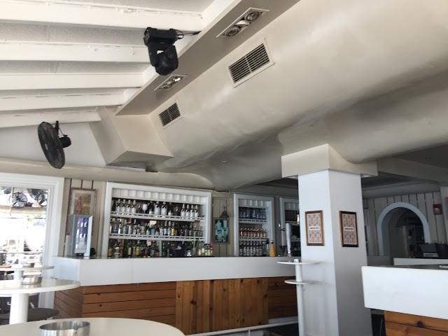 Molos Seaside Café - Bar