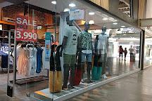 Easton Premium Outlet Mall, Santiago, Chile