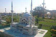 80 Binde Devr-i Alem Parki, Meram, Turkey