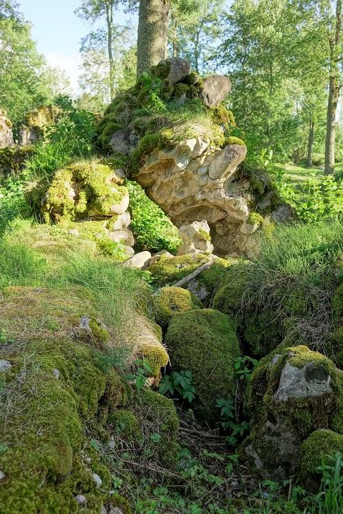 Helme ordulinnuse varemed