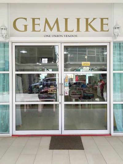 Gemlike Boutique