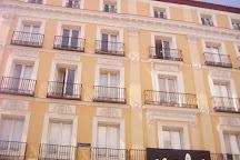 Plaza de Jacinto Benavente, Madrid, Spain