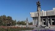 Памятник Манаса на фото Бишкека