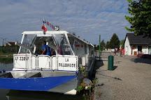 Cap Canal - bateau La Billebaude, Pouilly-en-Auxois, France