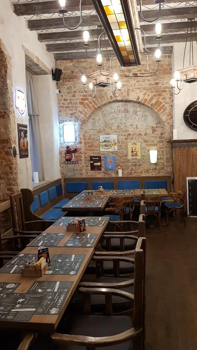 Colonel Brew Pub & Kitchen