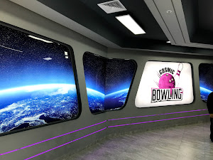 Cosmic Bowling 6