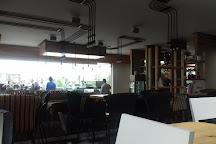 Bar Ini, Vlore, Albania