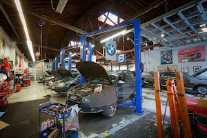 Everett Street Autoworks & Mechanics
