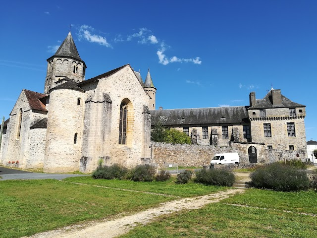Château de Jumilhac et ses jardins