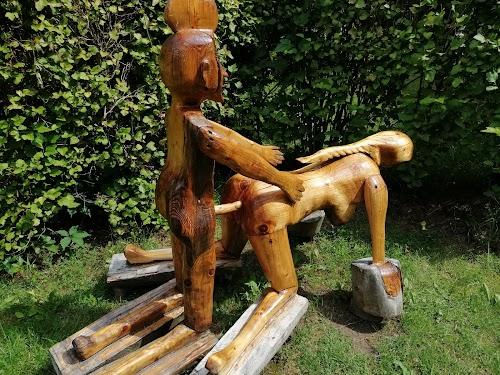 """Koka skulptūru parks """"Beverīnas labrinti"""""""