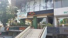 Hairclub, Beverly Center islamabad